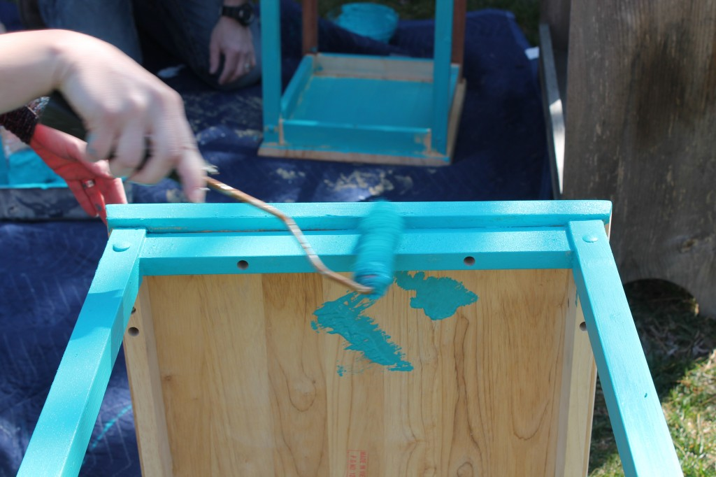 Painting nesting tables turquiose old paint