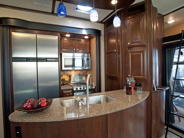 What S The Latest In Rvs We Talk With Hgtv S Rv 2014 Host