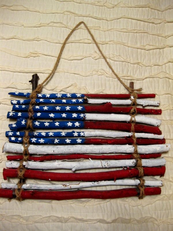 We love these ideas for patriotic door decorations for American flag decoration