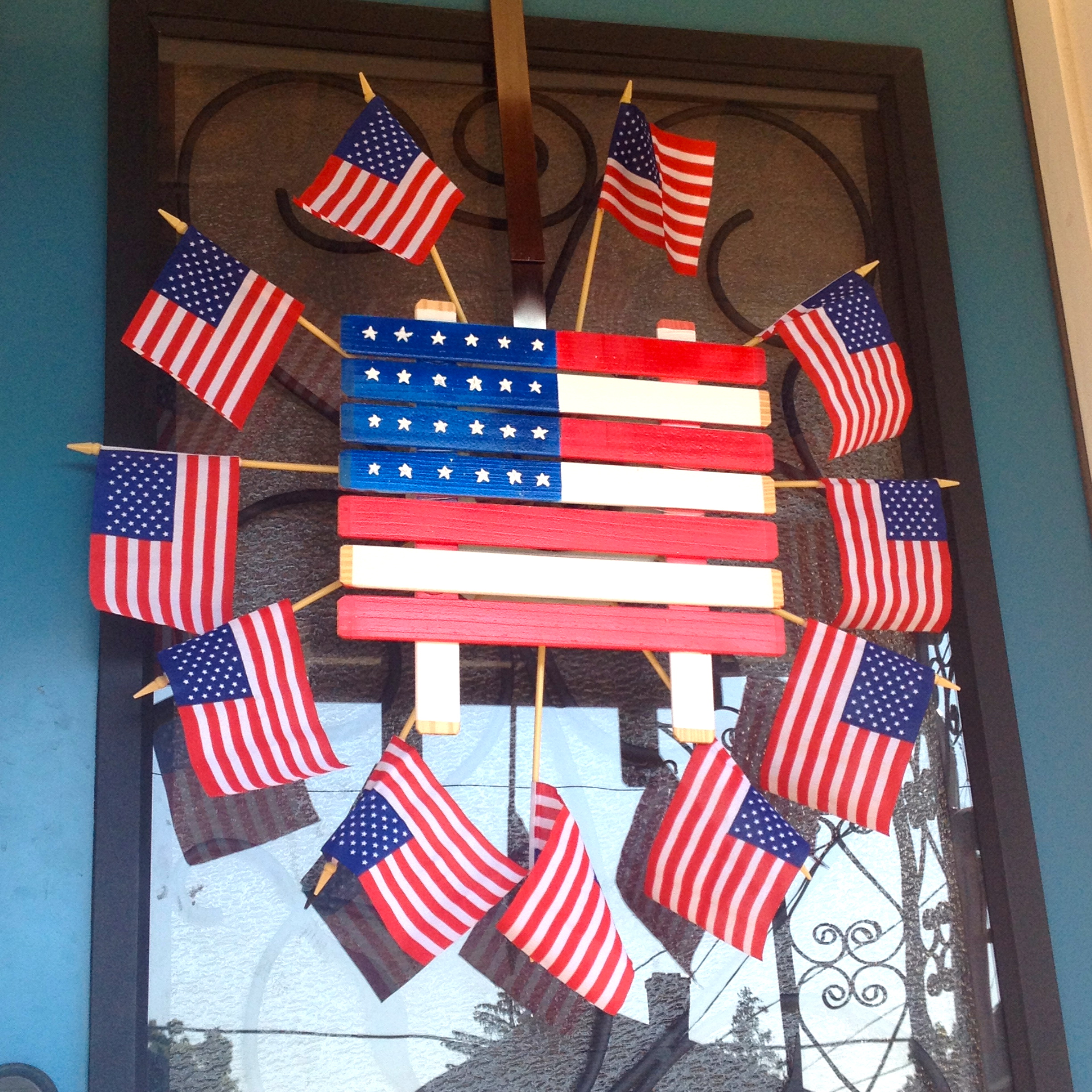 Patriotic door decoration on a Therma Tru Door MyFixitUpLife