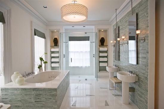 Lighting bromance: bathroom romance with the perfect LED light fixture