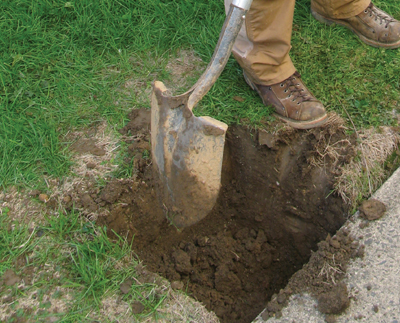 Digging-a-post-hole - MyFixitUpLife