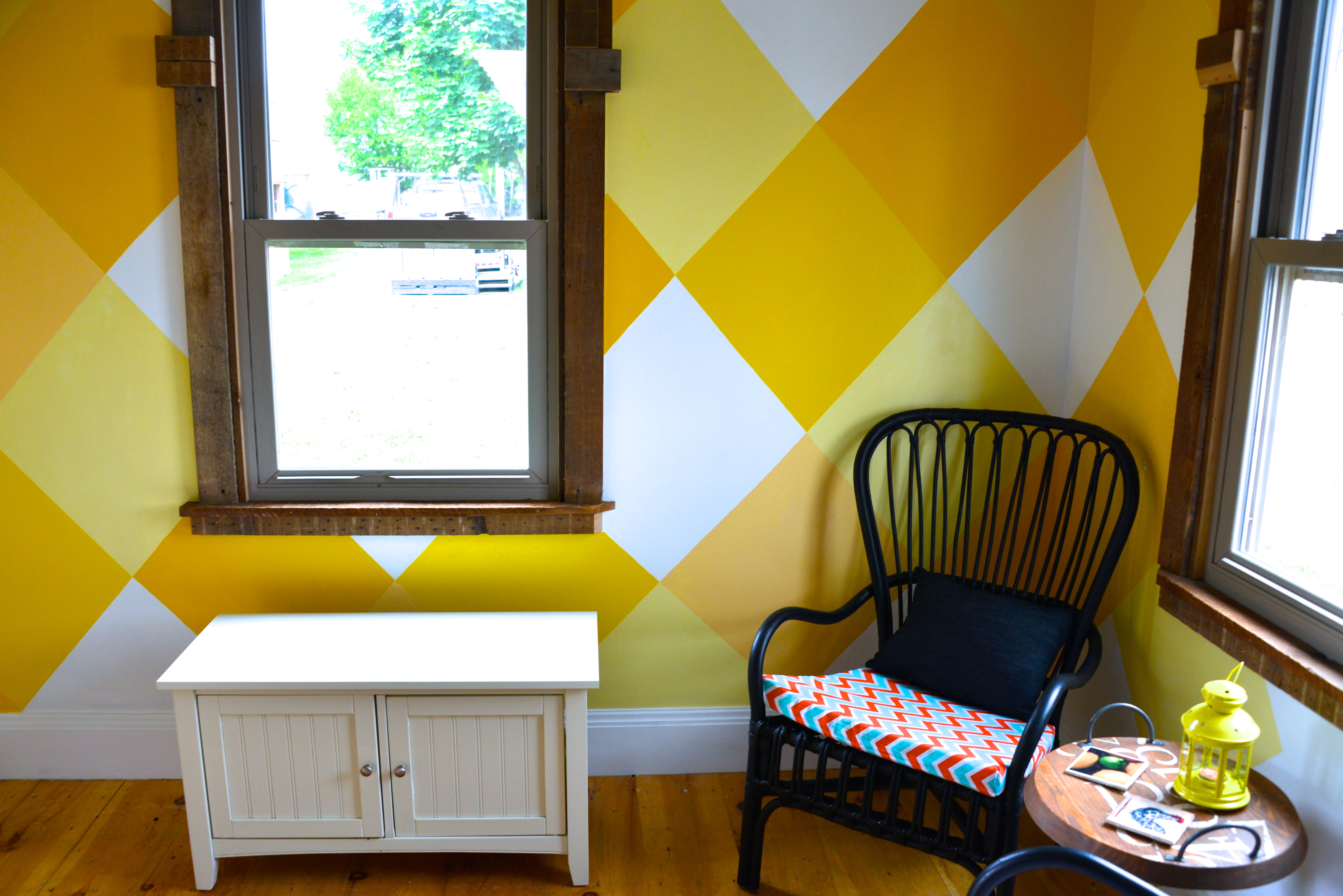2015_MyFixitUpLife_Sun Room_Mud Room_Yellow Pattern_Chair and table