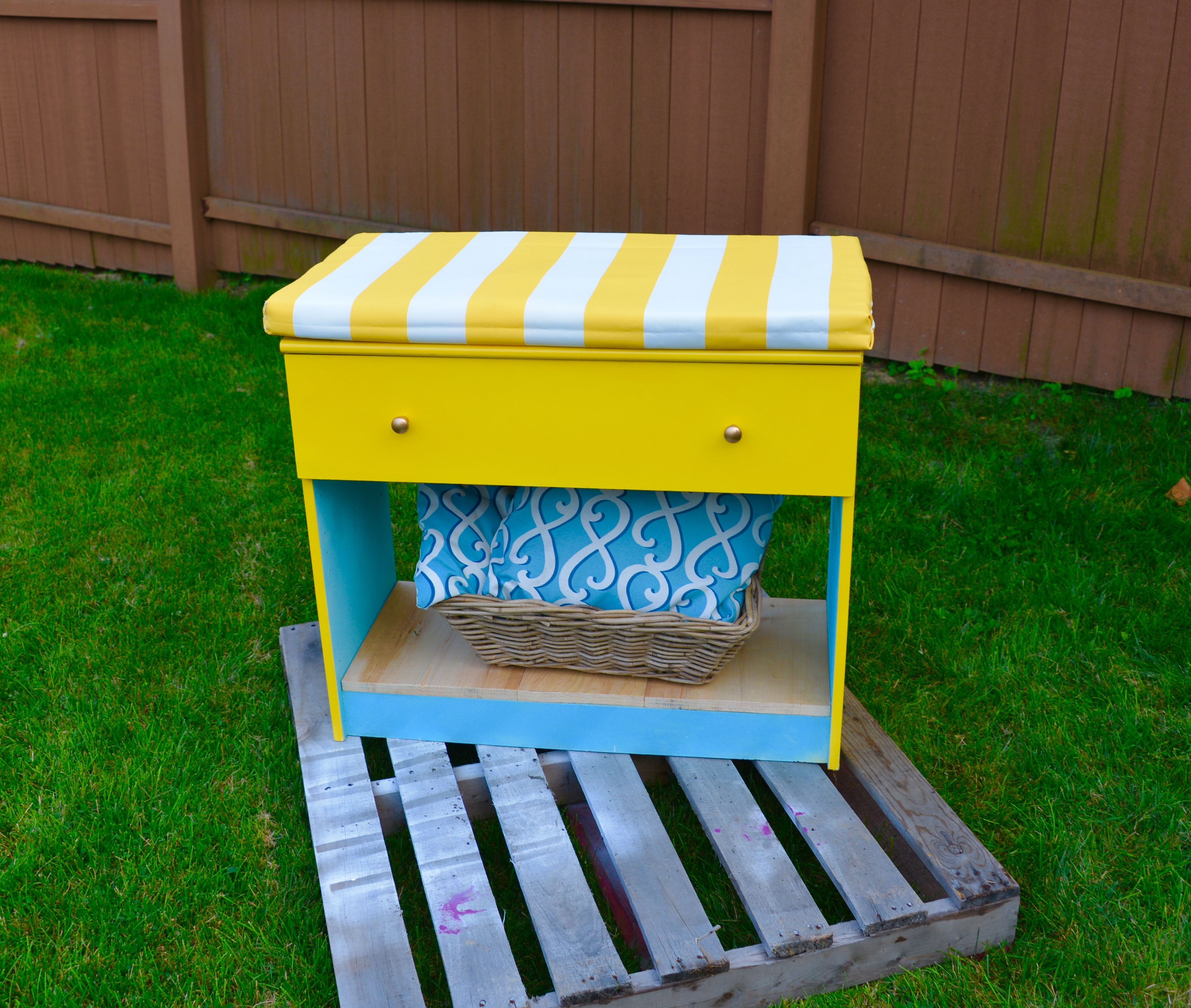 Habitat ReStore Bench makeover - MyFixitUpLife
