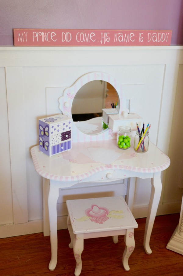A perfect place for a creative little girl. - MyFixitUpLife girl's bedroom