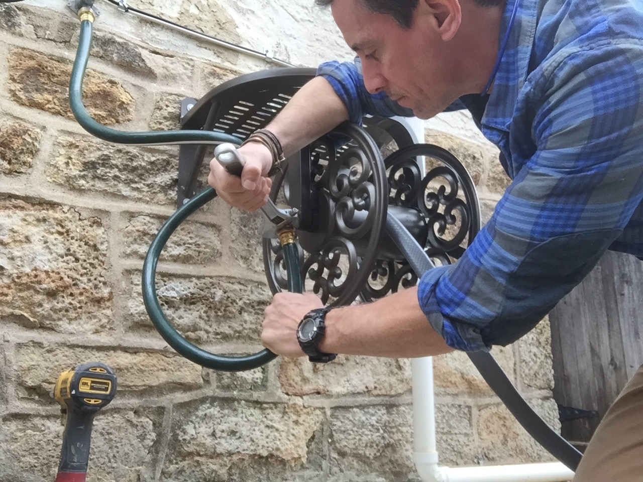 Super A great garden hose reel and how to install it EO34
