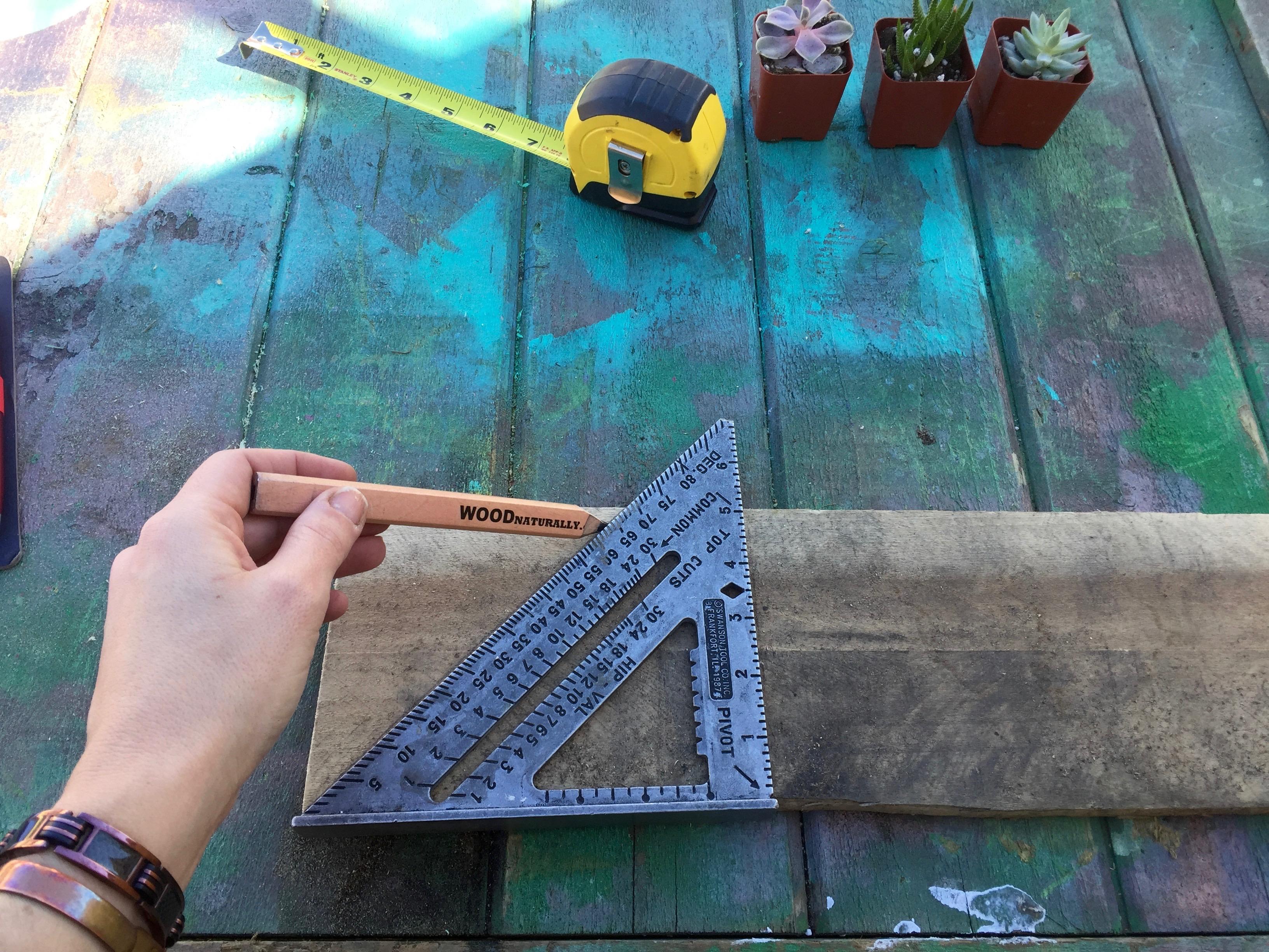 2 measure pallet wood Minwax Succulent Pallet Wood Wall Art