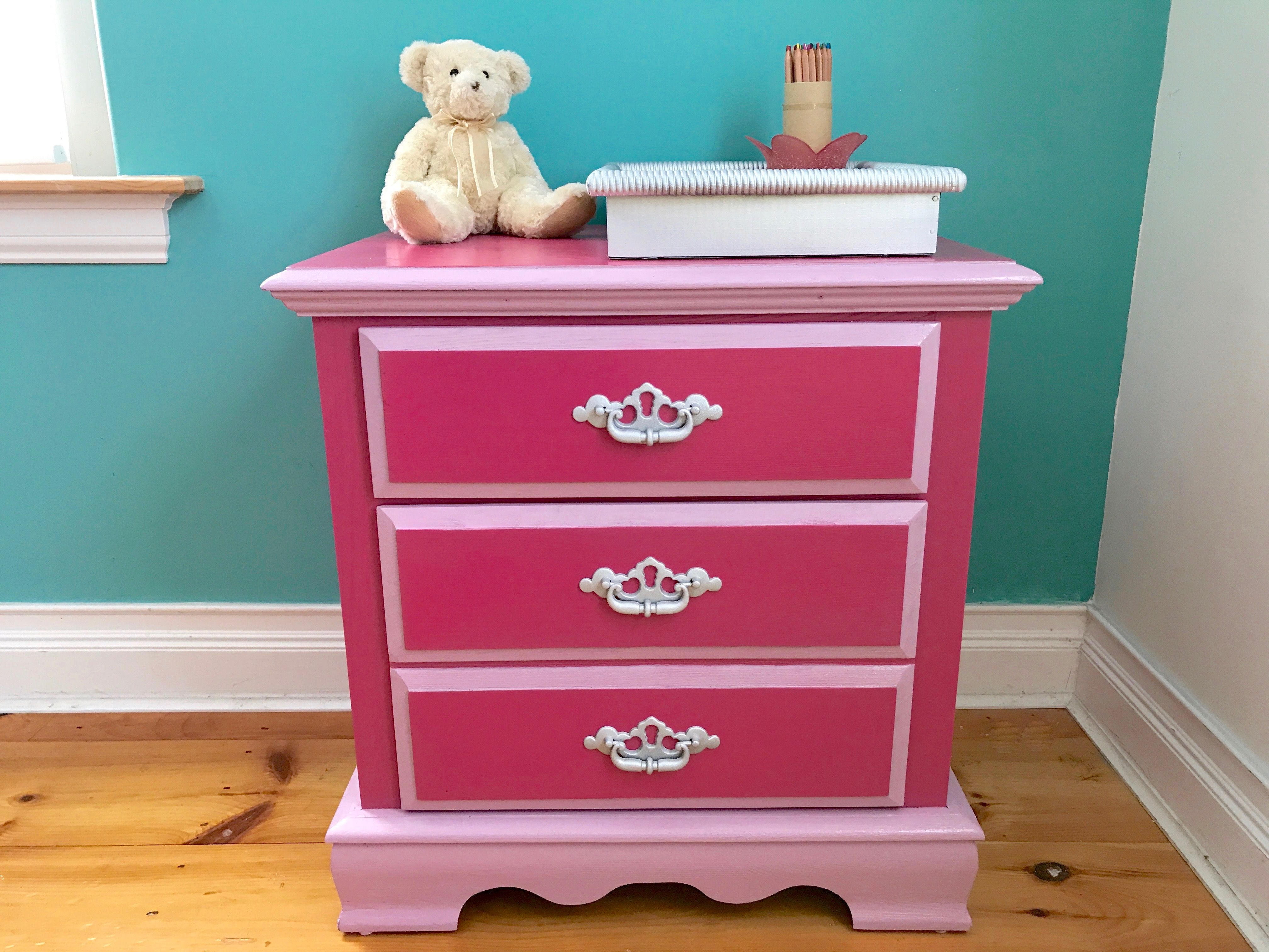 Gentil Bold Color Stain Can Add Personality To Any Ordinary Wood Furniture.  #MadewithLove