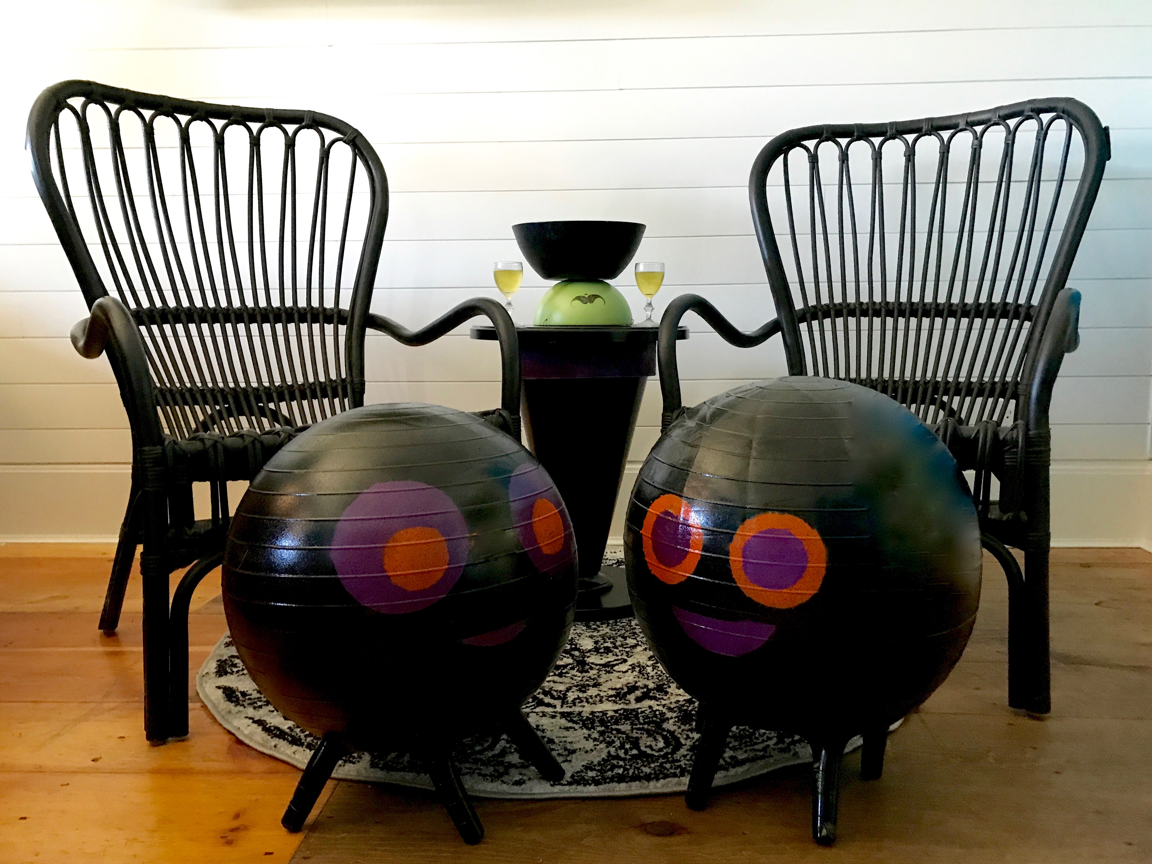 After Clement_MyFixitUpLife_Krylon_Halloween spider balls witch table