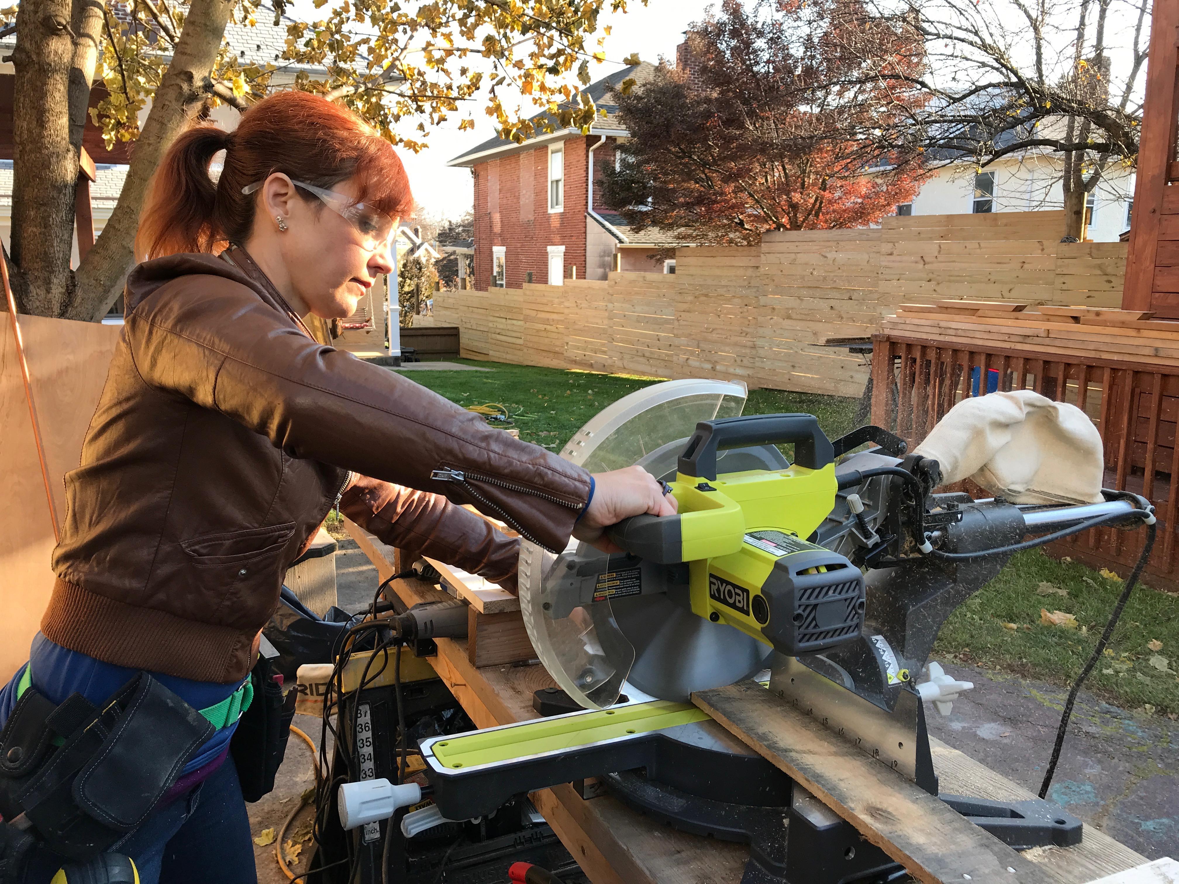 5 MyFixitUpLife Krylon Pallet December Holiday Snowflake Pallet DIY cut miter saw