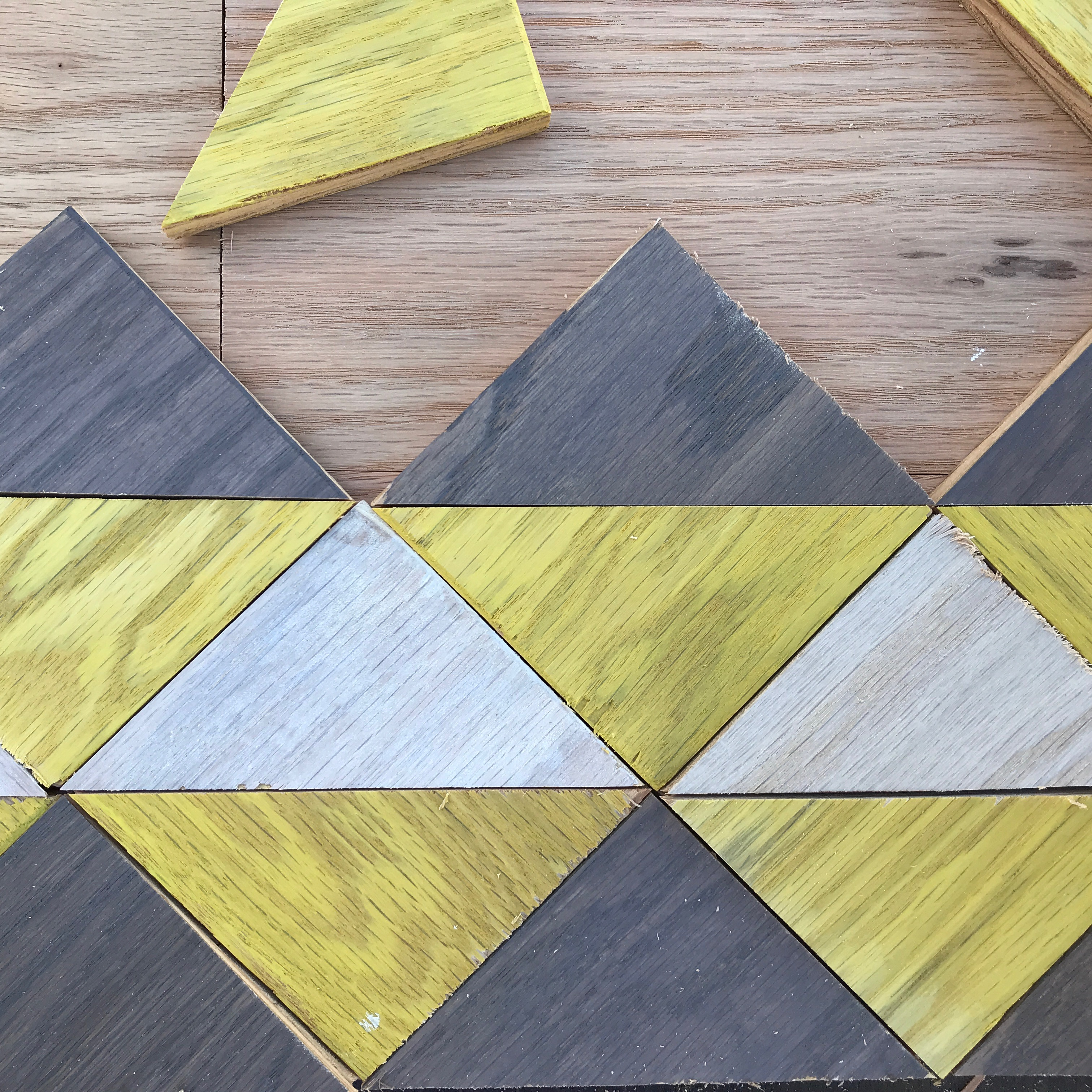 6 MyFixitUpLife_Minwax_wood_tray_laying out triangles